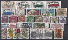 BERLIN - Jahrgang 1982 kpl. (= Nr. 659-688), ESST Berlin, zentrische Vollstempel
