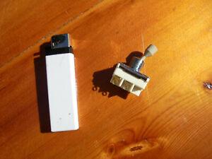 unbenutzter Kippschalter ,4-polig, 6A / 250V ,Made in France, NOS,UNAMCO T1