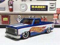'83 Chevy Silverado Display Case Exclusive Real Riders Hot Wheels 50 Blue White