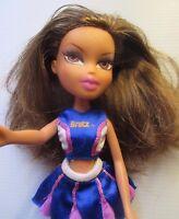 Bratz doll Brown hair Bratz Gym costume pink lips 1 bent leg & gym shoes