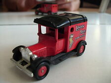 "Corgi T Ford Van ""London Mail"" in Red"