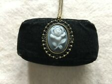 Pretty Ladies Quartz Necklace Pendant Watch