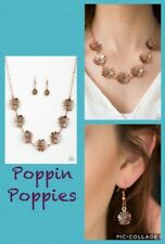 Paparazzi Flower Necklace w/matching earrings