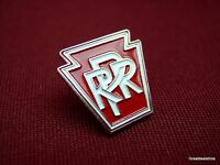 PA Pennsylvania RR RAILROAD TRAIN Old Advertising LOGO EMBLEM HAT LAPEL PIN