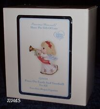"New 2013 Precious Moments #131001 ""Peace On Earth and Goodwill To All"" Figurine"