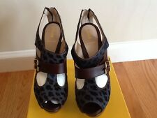 Authentic limited edition Fendi shoes size 39