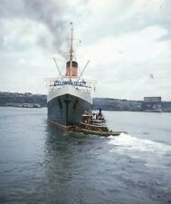 1957 Cunard Line RMS Queen Elizabeth NY Harbor Being Towed Original Stereo Slide