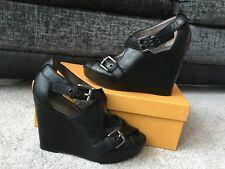 Plataforma de Cuero Negro entrenador Cuñas Sandalias zapatos, EE. UU. Talla 8 B