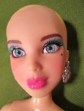 Liv Dolls ~❤️~ Blond Doll with Fancy Eye Make-up, Earrings & Shoes 6/6