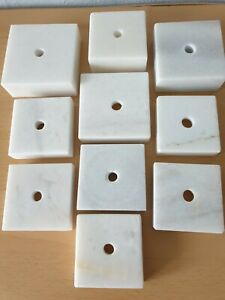 Konvolut: 10 helle Marmorsockel mit wunderschöner Maserung, für Büste/Skulptur