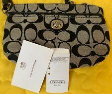 Coach Signature Medium Wallet Wristlet Zipper Black and beige Patent Leather NWT