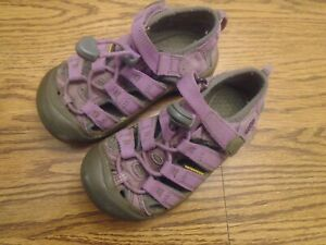 KEEN size 10 toddler pink and gray waterproof sport sandals, adj. strap Ex.