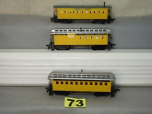 SET OF THREE TYCO OLD TIME PASSENGER CARS, EXCELLENT, READY TO RUN