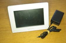 "SAMSUNG SPF-72V Digital 7"" Wide LCD Photo Frame - White + power supply"