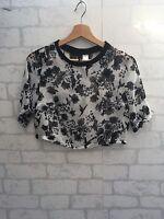 H&M Women's Size 8 Cropped Top Floaty Chiffon Black & White Patterned <L3209