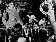 John Wayne Natalie Wood Jeffrey Hunter CLOSE-UP still THE SEARCHERS (1956) #132