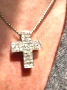 18ct White gold Diamond cross with chain.