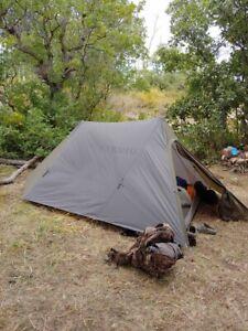 Kuiu Summit Refuge 3P Tent With Mesh Body - Gunmetal Olive