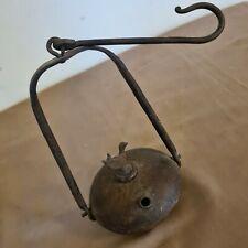 Ancienne lampe à huile en fer 33 cm de hauteur