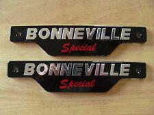 83-7357 TRIUMPH BONNEVILLE SPECIAL SILVER & BLACK SIDE COVER PANEL BADGE (PR)