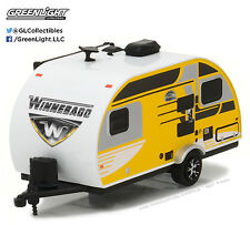 1:64 GreenLight 2017 *HITCHED HOMES #1* WINNEBAGO Drop Winnie Camper Hitch Tow