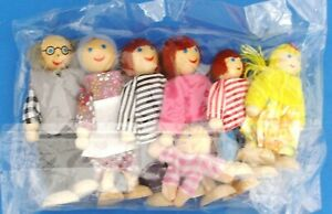 Happy Family Wooden People X7 Doll House Figures Flexible Dolls for Youngsters N