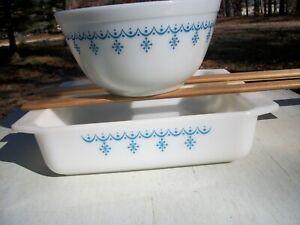 Vintage Pyrex Blue Snowflake 402 Mixing Bowl 922 Casserole Dish