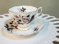 Royal Albert, Teacup and Saucer, Queens Messenger, Made in England, Bone China,