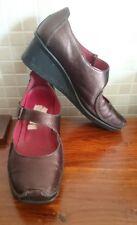 Clarks bronce acuñada de cuero zapatos talla 6