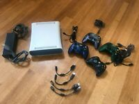 Microsoft Xbox 360 White Console Bundle w/ 4 Controllers 4 adapter cords