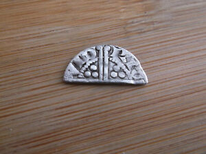 HAMMERED HENRY III SILVER LONG CROSS CUT HALF PENNY COIN DETECTING FIND  A