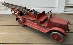 Antique Vintage Buddy L 1920s Pressed Steel Toy Aerial Ladder Fire Truck
