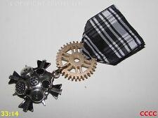 Steampunk Medal pin drape badge brooch Dr Who gas mask scientist cyberpunk LARP