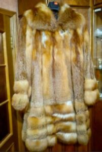 Real Golden Red Fox Genuine Fur Coat. Size 3 XL