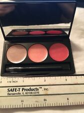 SMASHBOX LIP GLOSS LIP COLOR PALETTE COMPACT LIP BRILLIANCE STAGE 2