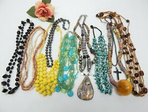 SEMI PRECIOUS STONE & GLASS BEAD NECKLACE LOT - ASSORTED ACCENTS