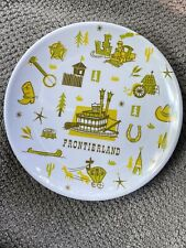 Disney Parks Retro Frontierland Plate 7�