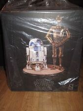 Sideshow Star Wars C-3PO & R2D2 Premium format Statue Force Awakens figures