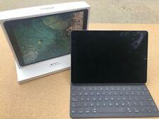 Apple iPad Pro 2nd Gen. 256GB, Wi-Fi, 10.5 in - Space Gray (Model A1701)