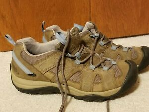 Keen Womens Hiking Shoes Beige Lace-up Tennis Shoes Size 8