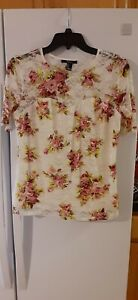 WOMEN'S FOREVER 21 LACEY TOP. WHITE FLORAL DESIGN. SIZE:: LARGE. NWT
