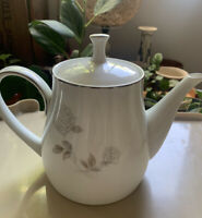 Noritake 6 cup Teapot Rosay White Silver Grey & Tan Made Japan Fine China