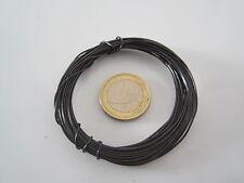 1 rotolino di circa 5 metri di filo in metallo nero cotto del diametro di 0,8 mm