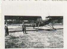 Foto Fieseler Storch Flugzeug mit Pilot wwII. German Luftwaffe Airforce Photo