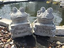 Pair Of Garden Frogs Weeds GRAY CEMENT STATUE Lawn Ornament Decoration Concrete