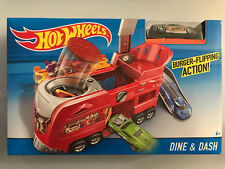 HOT WHEELS DINE & DASH Play set with Exclusive Car NIB