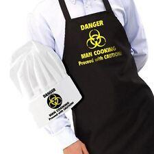 Pericolo Uomo Cucinare Grembiule E Cappello Divertente BBQ CUOCO Novità Men's Gift Set