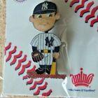 Budweiser NY New York Yankees bobblehead lapel pin bobble bobbing head