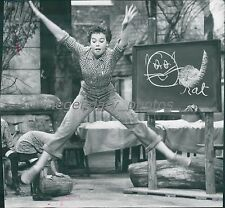 1955 Daddy Long Legs Original Press Photo Fred Astaire Leslie Caron