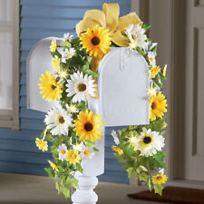 Beautiful Summertime Daisy Floral Mailbox Cover with Solar Powered Lights